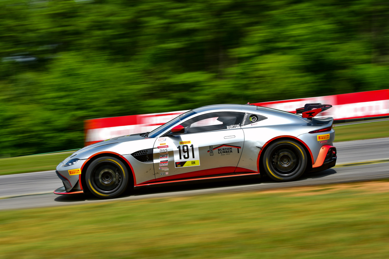 Jeff Burton Aston Martin Racing GT4 in GT4 Sprint